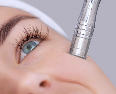 Microdermabrasion and Dermaplaning